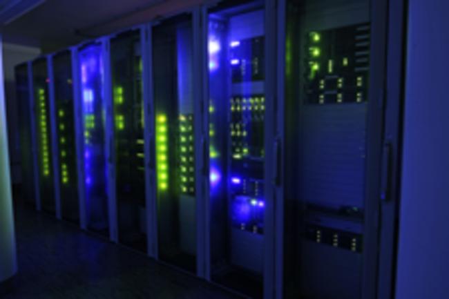 csm_server-bei-Nacht-querformat-Urheber-SpaceNet-AG_c5bbfb78bf
